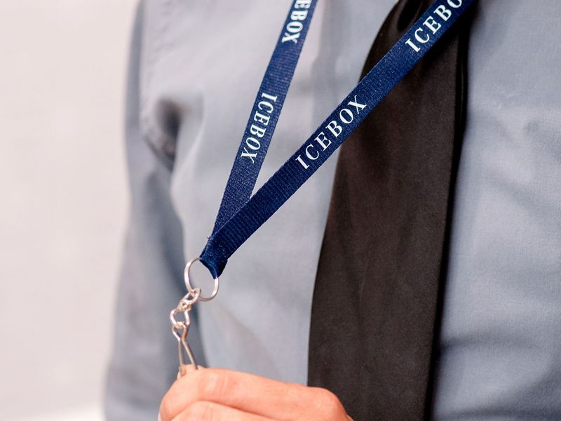 2 Icebox Blue   Lanyards