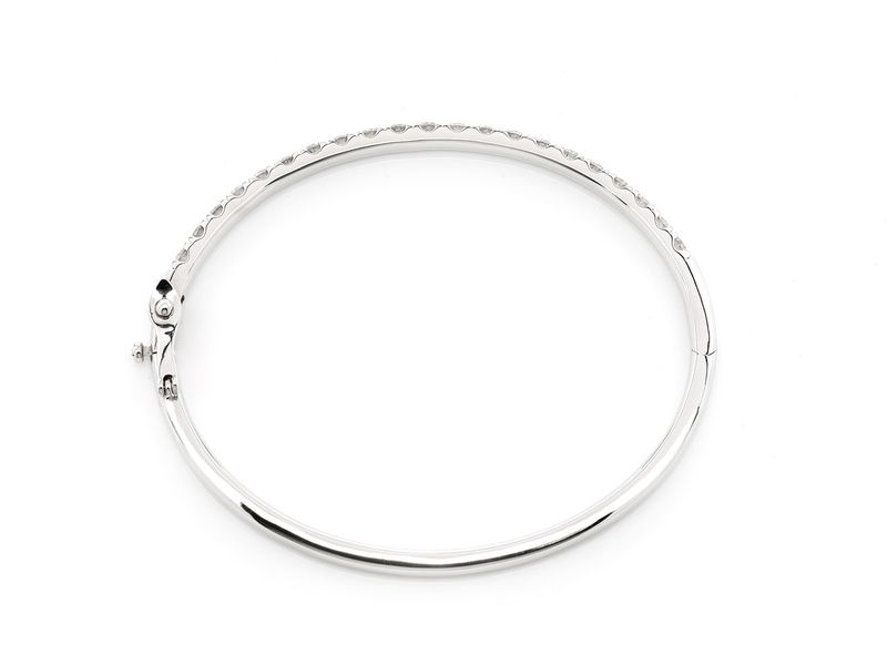 Small Scallop Bangle Bracelet 14K   2.03ctw