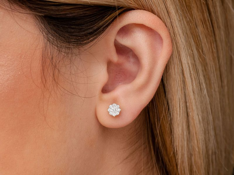 Solitaire Cluster Earrings 14K   0.75ctw