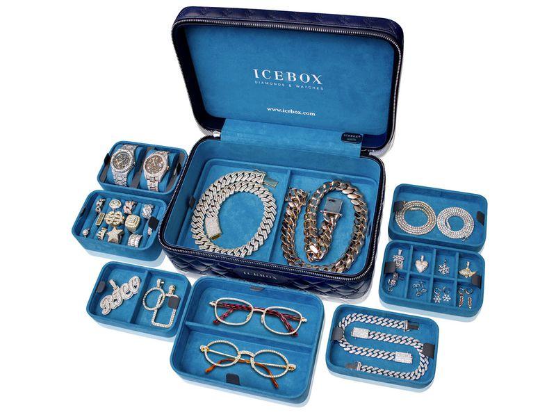 World Travelers Jewelry Case