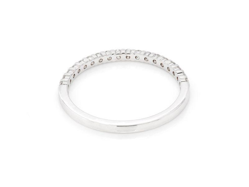 Single Row Ring 18K   0.24ctw