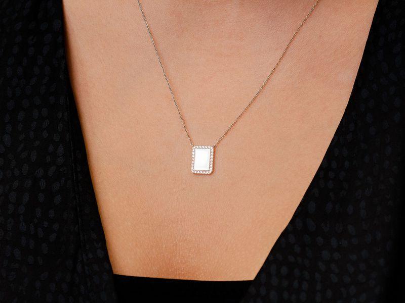 Koia Rectangle Diamond Border Pendant 14K   0.17ctw