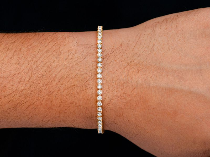 9ptr Tennis Bracelet 14K   6.07ctw